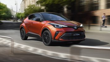 toyota-c-hr-2019-gallery-004-full_tcm-3027-1776333