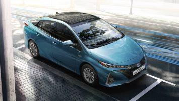 toyota-prius-plug-in-2016-gallery-04-full_tcm-3027-1685339